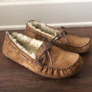 Ugh Dakota Slippers. Color: Chestnut. Size 8